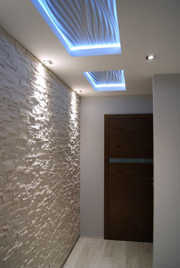 Подвесной потолок из гипсокартона в интерьере прихожей