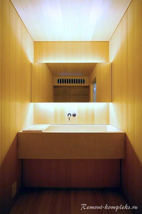 Ванная в деревянной отделке