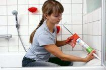 Чем закрыть щель между ванной и стеной?